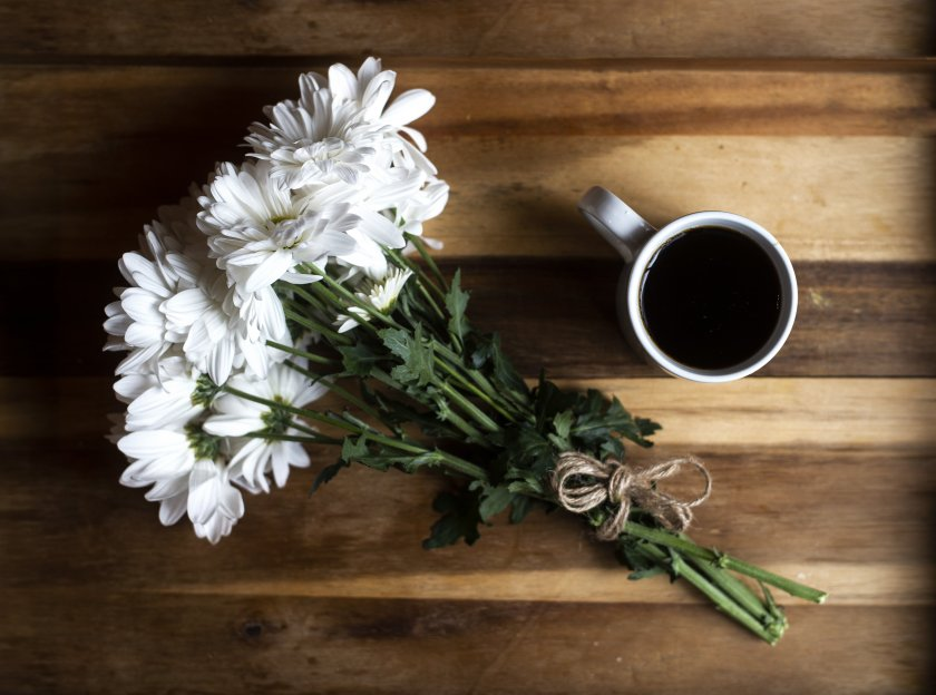 flowers-and-coffee_4460x4460